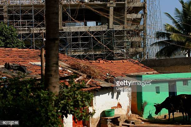 The slums surrounding the Electronic city on April 13 2008 in Bangalore India Many residents work for multinational cooperations and the economy is...