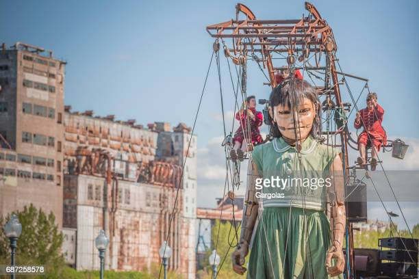 the small giant in montreal for the festivals of the 375 years of the city, canada - comedian stock pictures, royalty-free photos & images
