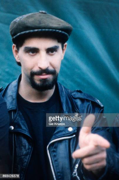 The Smithereens portrait Pat DiNizio backstage at Apollorock Festival Meerhout Belgium 19th May 1990