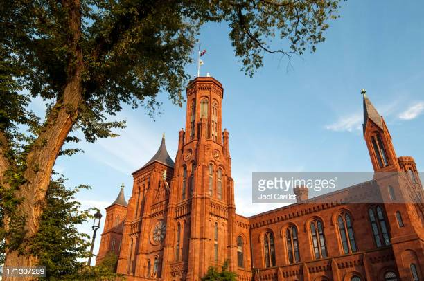 smithsonian castle - smithsonian institution stock pictures, royalty-free photos & images