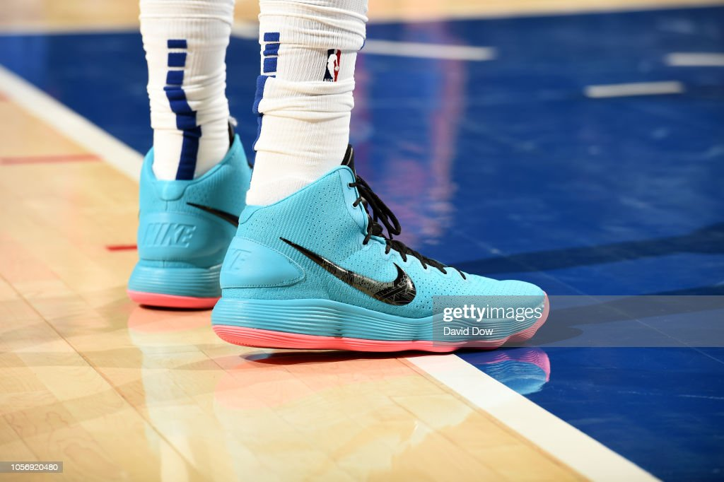 """d211f45c9d22 Against the Pistons he wore a teal-ish blue and hyperpink version of his  standard Nike Hyperdunk 2017. They gave off serious Nike LeBron 8 """"South  Beach"""" ..."""