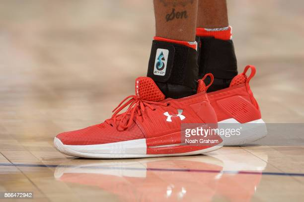 The sneakers of Delon Wright of the Toronto Raptors are seen during the game against the Golden State Warriors on October 25 2017 at ORACLE Arena in...