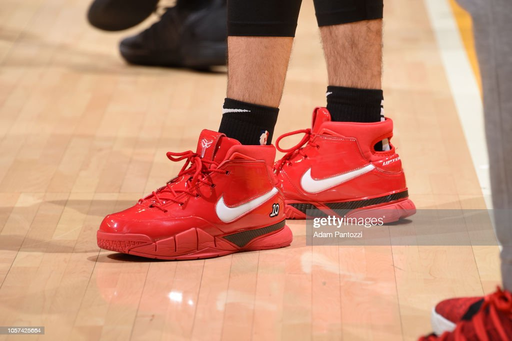 13cc84536d8a The sneakers of Fred VanVleet of the Toronto Raptors before the game ...