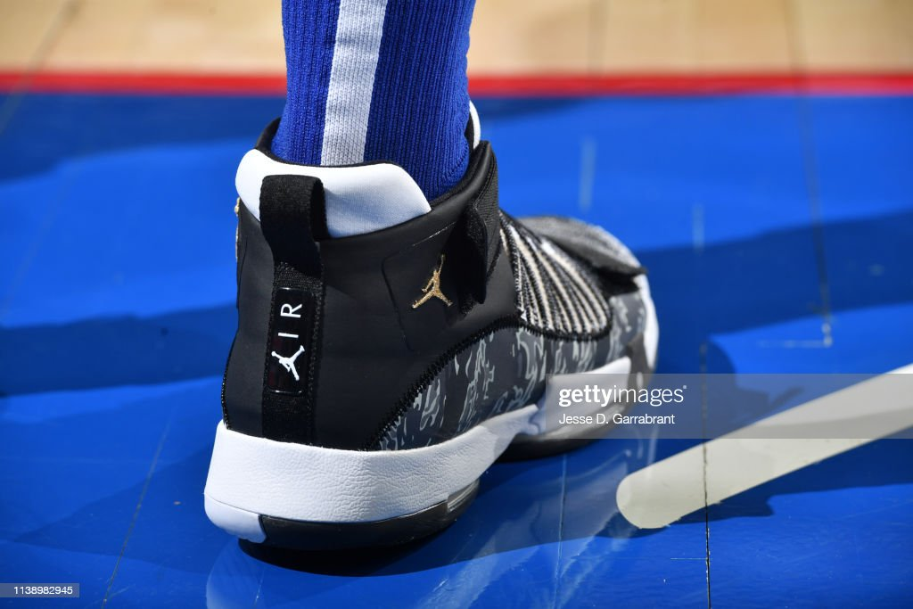 3c6ad57fe604c4 Ben Simmons played in what might be my favorite version of the Nike  Hyperdunk X he s worn all season. I m a sucker for light blue.