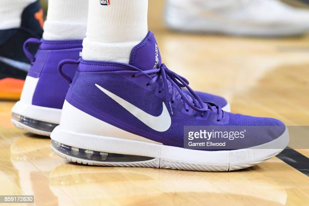e9559550a4fffa The sneakers of Vince Carter of the Sacramento Kings are seen during a  preseason game against