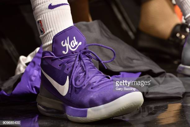 72670dd3183b5d The sneakers of Vince Carter of the Sacramento Kings during the game  against the Orlando Magic