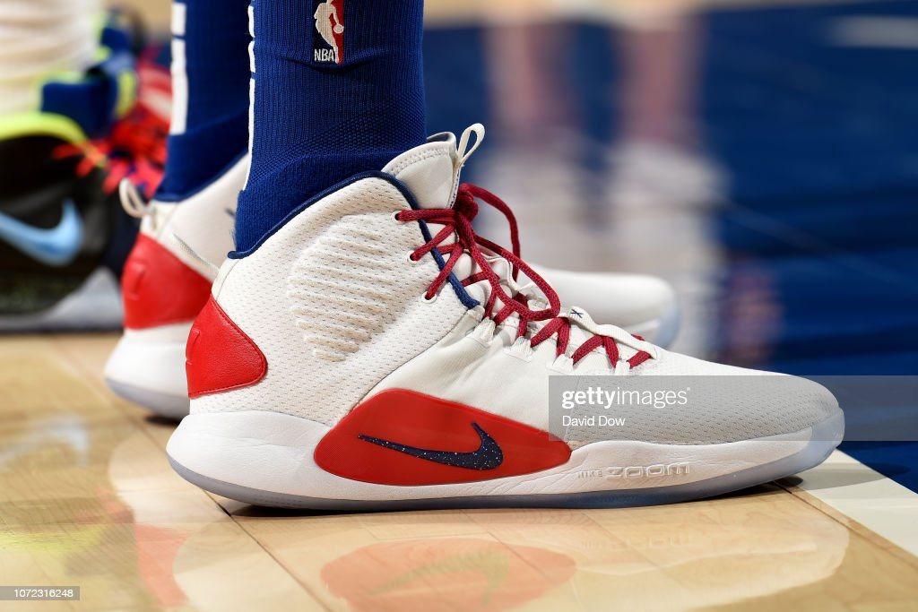 18e8c5e57d9e It looks like the Nike Hyperdunk X is here to stay for Ben. He wore a black  version with red to blue gradient on the mid-sole.