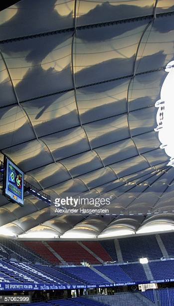 The snow covered stadium roof seen before the Bundesliga match between Hamburger SV and 1 FC Kaiserslautern at the AOL Arena on March 12 2006 in...