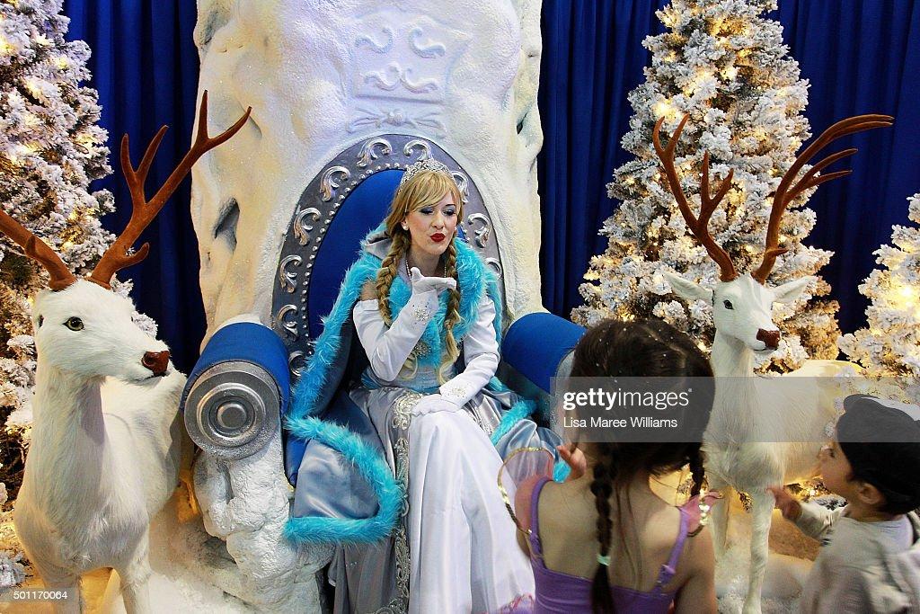 Children Flock To Santa's Magical Kingdom In Sydney : News Photo