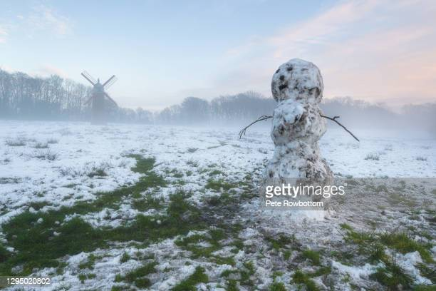 the snowman - lancashire stock pictures, royalty-free photos & images
