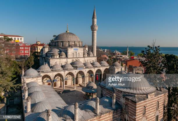 the sokollu mehmed pasha mosque in fatih district of istanbul, turkey - ブルサ ストックフォトと画像