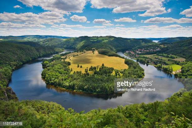 the solenice bend of the river vltava, czech republic - チェコ共和国 ストックフォトと画像