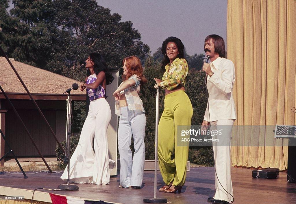 SUZY COEHLO;SUSAN MACGYVER;JAYNE KENNEDY;SONNY BONO : News Photo