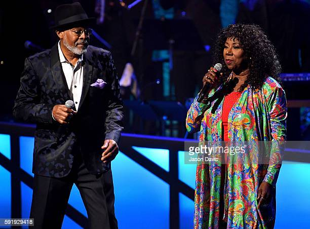 The SOS Band's Abdul Ra'oof and Mary Davis perform during the NMAAM 2016 Black Music Honors on August 18 2016 in Nashville Tennessee