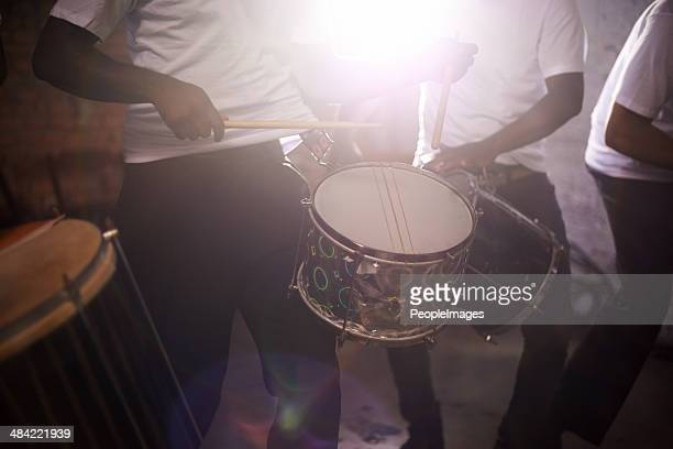 Os sons de percussão perfeito