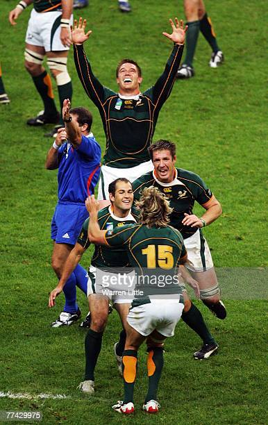 The South Africa players celebrate victory as the final whistle is blown at the end of the 2007 Rugby World Cup Final between England and South...