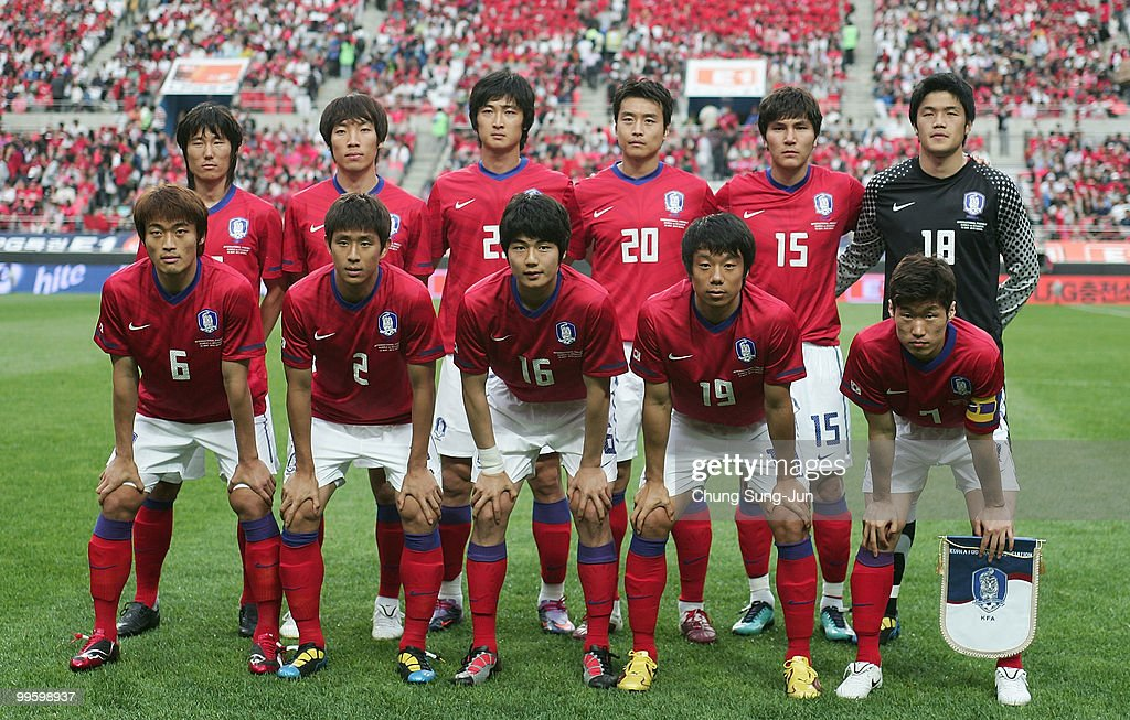 The South Korean national football team line up poses during the international friendly match between South Korea and Ecuador at Seoul Worldcup stadium on May 16, 2010 in Seoul, South Korea.