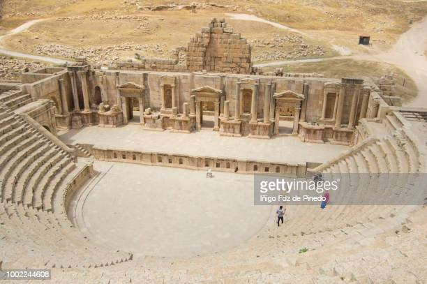 the south theatre ,jerash, jordan. - roman decapolis city stock pictures, royalty-free photos & images