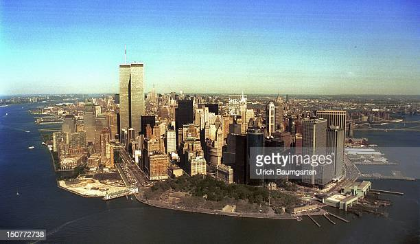 The southern point of Manhatten with the World Trade Center