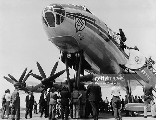 The sovietic TU114 with its turboprops photographed on a Bourget's runway Constructed by the engineer Andreï TUPOLEV this turboprop aircraft could...