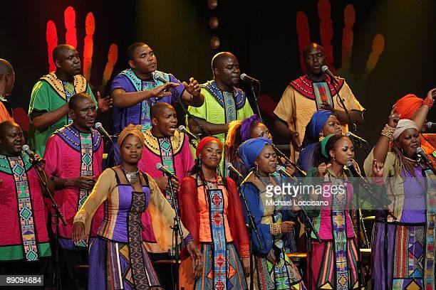 40 person gospel choir etiquette - 612×408