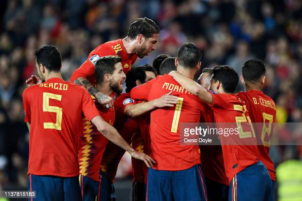 The Spain team celebrate their first goal during the 2020 UEFA European Championships group F qualifying match between Spain and Norway at Estadio de...