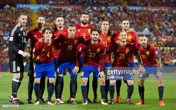 The Spain team pose for photographers before the start of the FIFA 2018 World Cup Qualifier between Spain and Albania at Estadio Jose Rico Perez on...