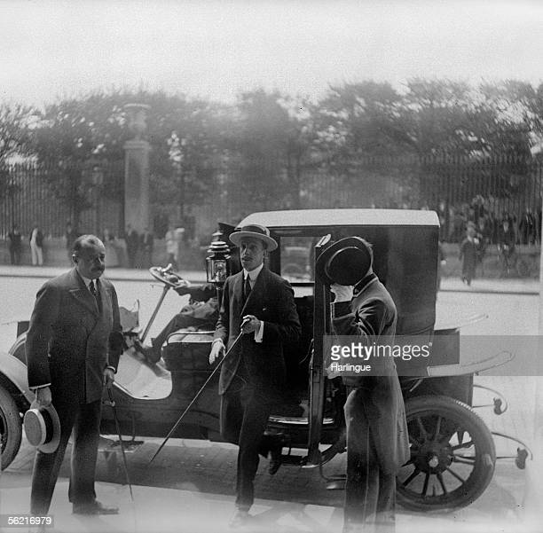The Spain's king Alphonse XIII in official visiting in Paris arriving at the Meurice hotel Rivoli street 1907