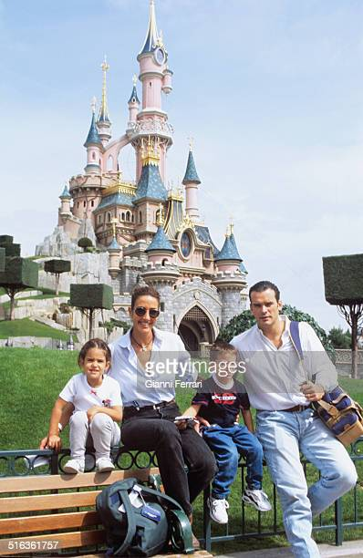 The Spanish actress and television presenter Elsa Anka in Disney Paris with her husband Torrent Miguel and her daughter Paris France