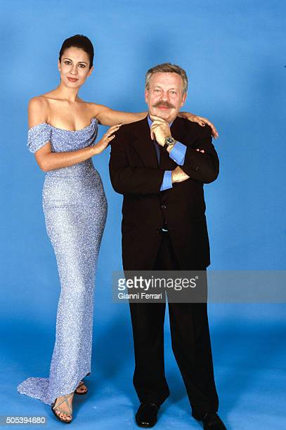 The Spanish actress and TV presenter Silvia Jato with Spanish TV presenter Jose Maria Inigo in a photo shoot 16th December 1999 Madrid Spain