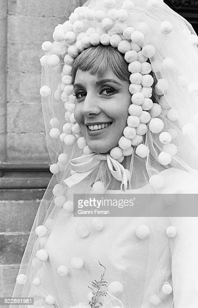 The Spanish actress Concha Velasco during the filming of the movie 'El arte de no casarse' Madrid Spain