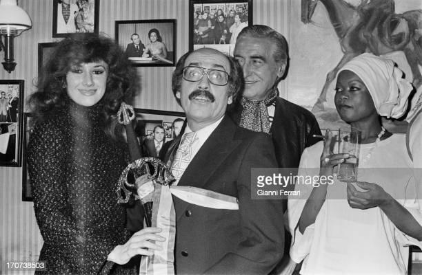 The Spanish actress Victoria Vera delivered to Spanish actor Jose Luis Lopez Vazquez `The sword of Don Juan' Madrid Castilla La Mancha Spain