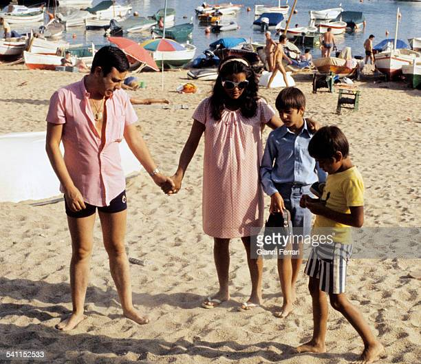 The Spanish dancer Micaela Flores Amaya 'La Chunga' in a Barcelona beach with her husband and children Barcelona Spain