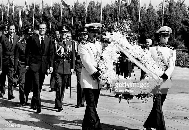 The Spanish King Juan Carlos and the Shah Reza Pahlavi lay a wreath at the Tomb of the Unknown Soldier Tehran Iran