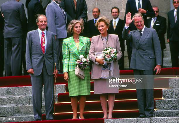 The Spanish Kings Juan Carlos and Sofia and the Belgian Kings Albert II and Paola posing for the press in Caceres Caceres, Spain.