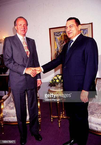 The Spanish Kings Juan Carlos on his official visit to Egypt shakes hands with the President Hosni Mubarak Twenty First February 1997 Cairo Egypt