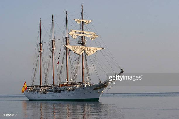 The Spanish Navy training ship Juan Sebastian Elcano arrives at Havana's harbour on May 8 2009 The fourmasted tall ship is in Cuba in an official...