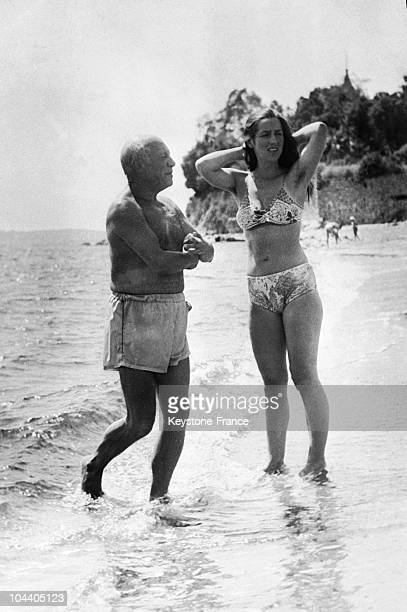 The Spanish painter and sculptor Pablo PICASSO and Francoise GILLOT are spending their holiday on a little beach between JuanlesPins and Cape Antibes