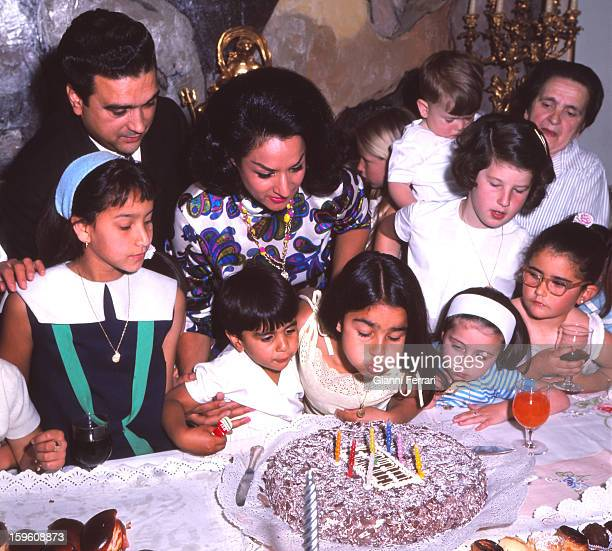 The Spanish singer and dancer Lola Flores at his home in Madrid celebrated the seventh birthday of her first daughter Lolita Madrid Castilla La...