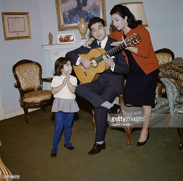 The Spanish singer and dancer Lola Flores at home in Madrid with her husband Antonio Gonzalez and her first daughter Lolita Madrid Castilla La Mancha...