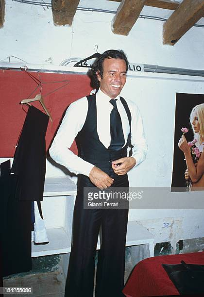 The Spanish singer Julio Iglesias 1980 Madrid Castilla La Mancha Spain