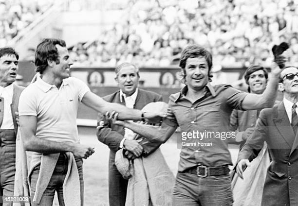 The Spanish singer Julio Iglesias in the bullring of ' Las Ventas' with the boxer Pedro Carrasco Madrid Castilla La Mancha Spain