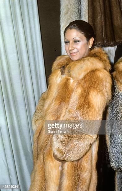 The Spanish singer Lolita daughter of Lola Flores shopping 14th October 1975 Madrid Castilla La Mancha Spain