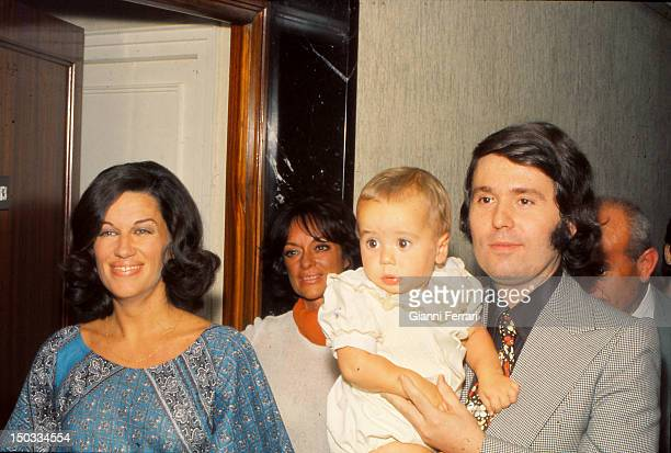 The Spanish singer Raphael with his wife the journalist Natalia Figueroa and his son Jacobo Madrid Spain