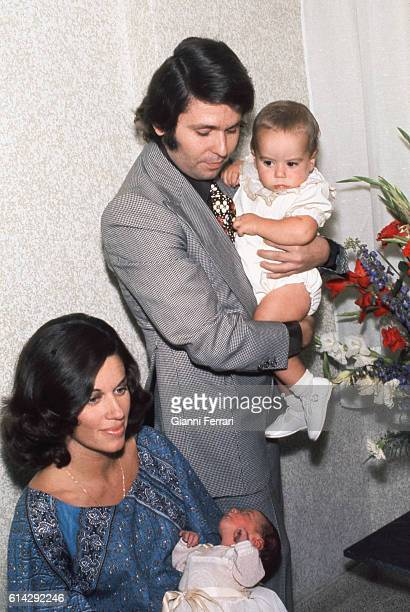 The Spanish singer Raphael with his wife the journalist Natalia Figueroa and his sons James and Aljandra Madrid Spain