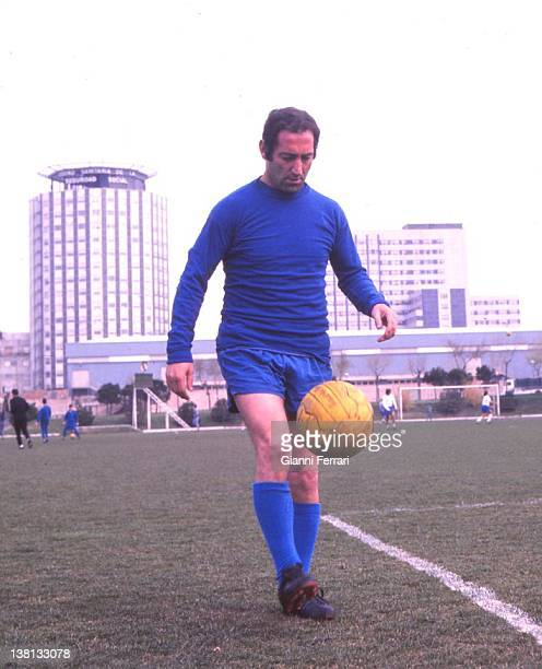 The Spanish soccer player of 'Real Madrid' Francisco Gento training at the stadium 'Santiago Bernabeu' Madrid