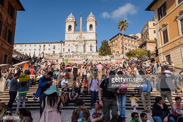 the spanish steps in rome. - turismo foto e immagini stock