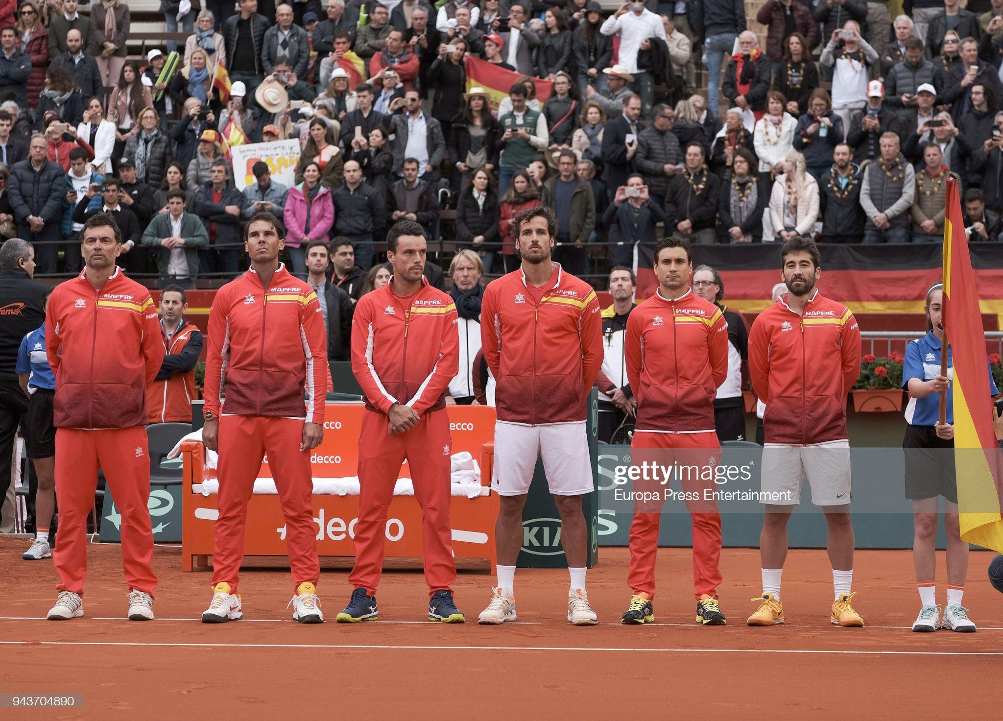 ¿Cuánto mide Roberto Bautista? - Real height The-spanish-team-sergi-bruguera-rafael-nadal-roberto-bautista-agut-picture-id943704890?s=2048x2048