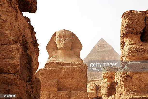 the sphinx and pyramid - giza stock pictures, royalty-free photos & images