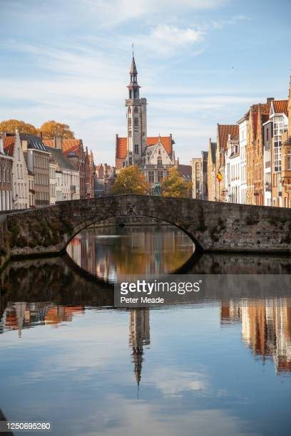 the spiegelrei in bruges - belgium stock pictures, royalty-free photos & images